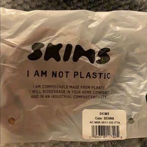 NWT SKIMS seamless face mask SIENNA